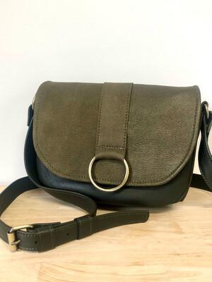 Lybloo sac en cuir kaki, rabat  cuir kaki pailletés, bandoulière réglable forme vintage#cuir femme#pièce unique