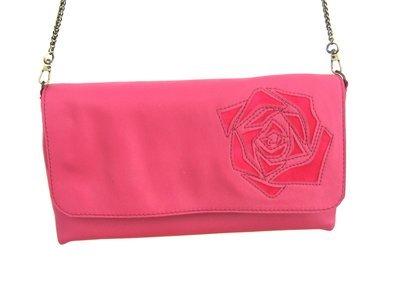Rose Sac Pochette Femme, bandoulière en cuir rose, motif peau rose, bandoulière chaine métal amovible #cuir femme#pièce unique