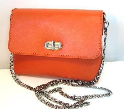 Mypock, Pochette bandoulière, portée épaule, en cuir de vachette  orange, bandoulière chaine métal amovible #cuir femme#pièce unique