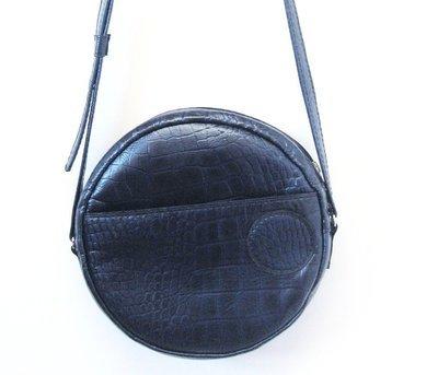 Rondine, cuir Bleu Noir à motif imitation croco, porté bandoulière#cuir femme#pièce unique