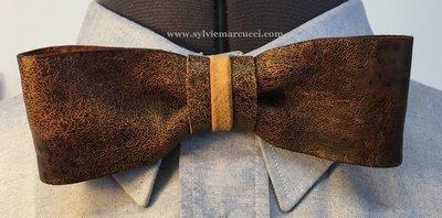 Noeud papillon en cuir / noeud papillon  marron en cuir vielli / noeud papillon pour homme ou femme / noeud papillon mariage # Hipster style/ cuir 100% Français.