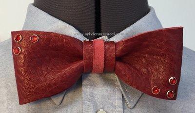 Noeud papillon en cuir / noeud papillon de couleur bordeaux avec strass / noeud papillon pour homme ou femme / noeud papillon en cuir / véritable cuir 100% Français/#noeud papillon mariage.