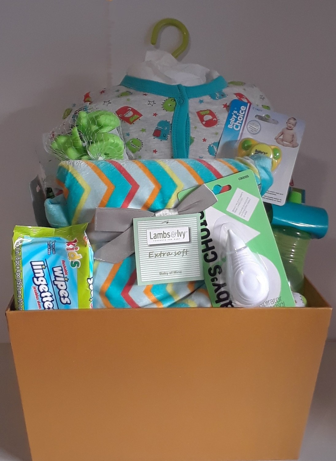 Baby Gift Basket All ready for baby neutral basket
