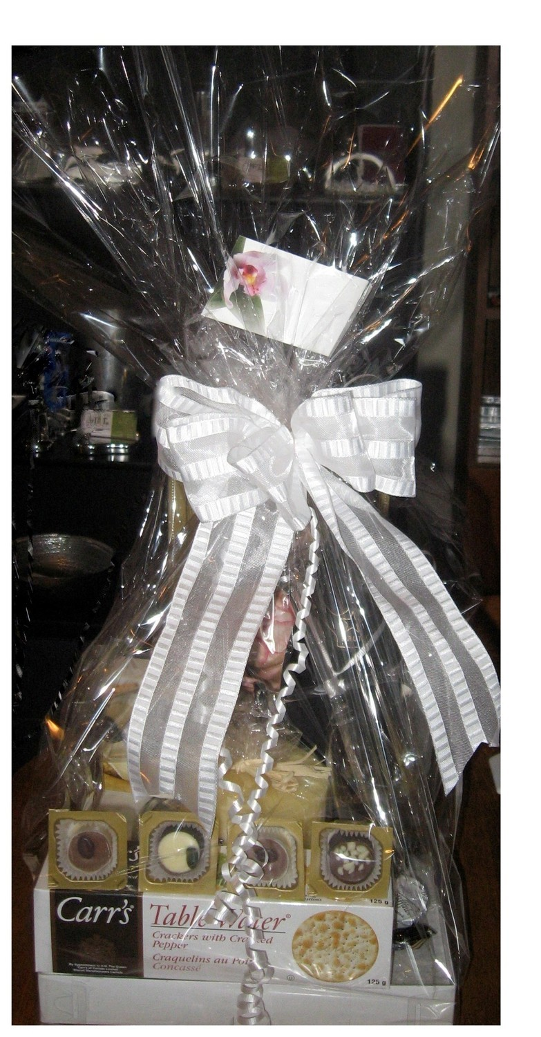 Bridal Basket with or without locally made sparkling wine