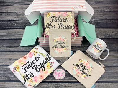 Future Mrs Floral Wreath Gift Box Bride Box, Engagement Box, Bride to Be Gift
