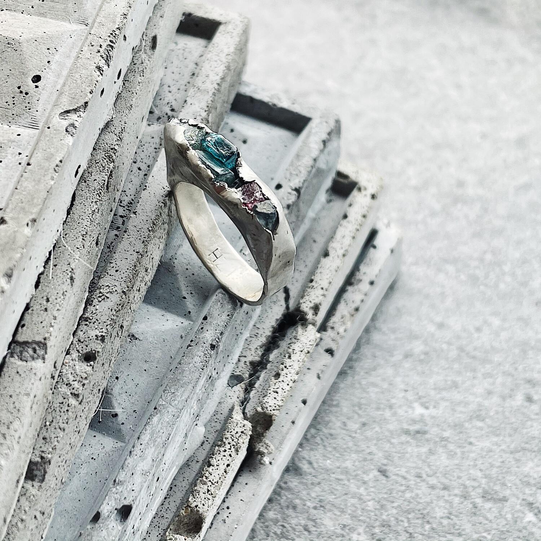 Кольцо с семью камнями