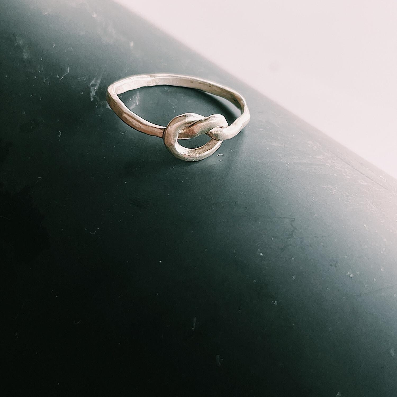 Кольцо-узелок
