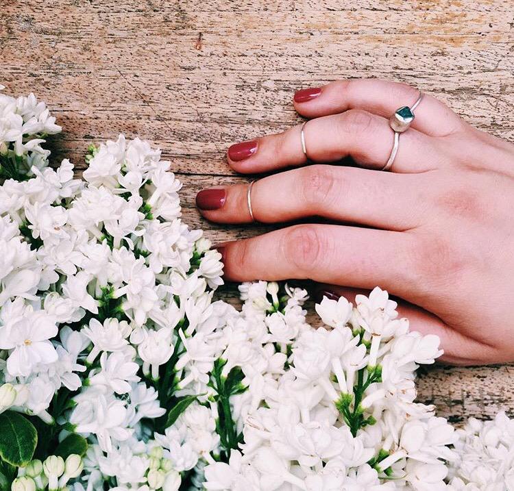 Кольцо с голубым апатитом
