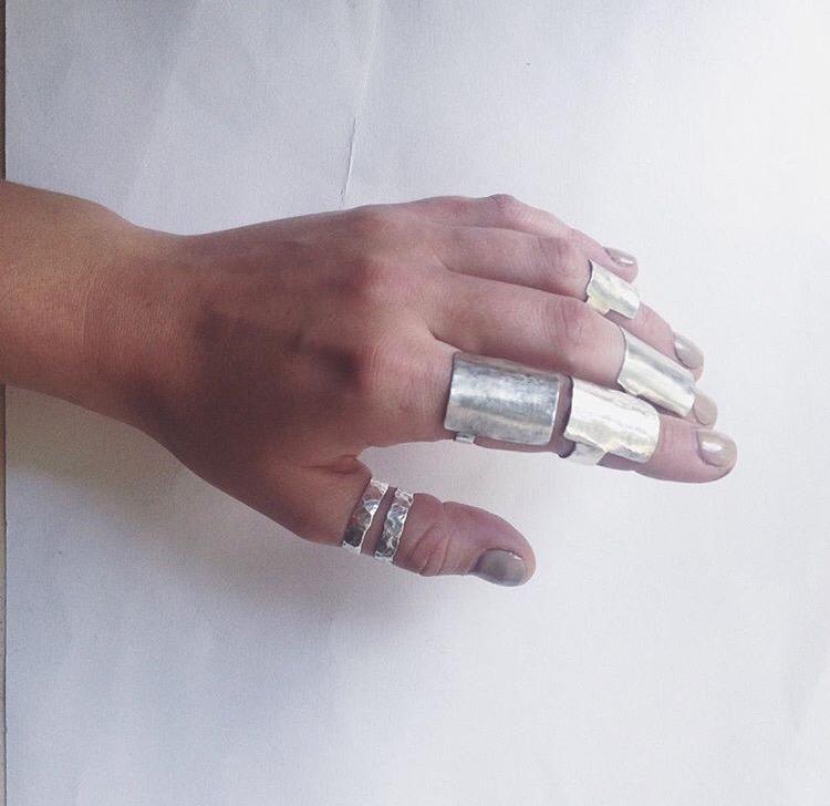 Широкие серебряные кольца