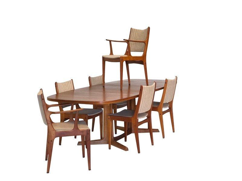 Mid Century Danish Modern Table and 6 Chairs by Uldum Mobelfabrik