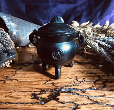 Pentacle Small Round Belly Cauldron