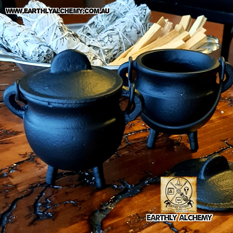 Small Cast Iron Cauldron (Plain)