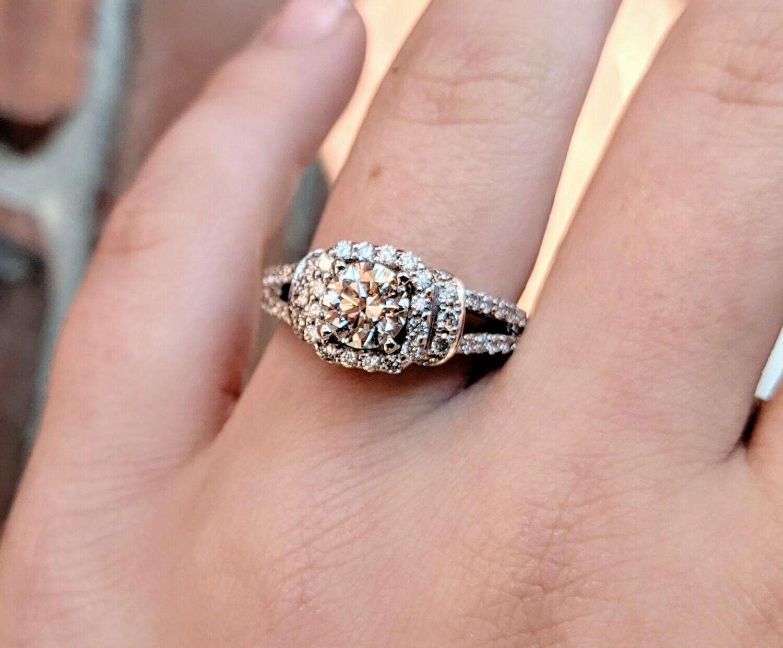 1.30 Carat Total (0.70 Carat Center) Diamond Halo Engagement Ring in White Gold Sz 6.25