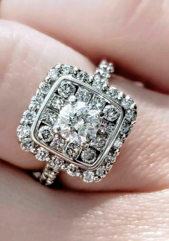 1.5 Carat Total Natural Diamond Ring in 14k White Gold Sz 6.5