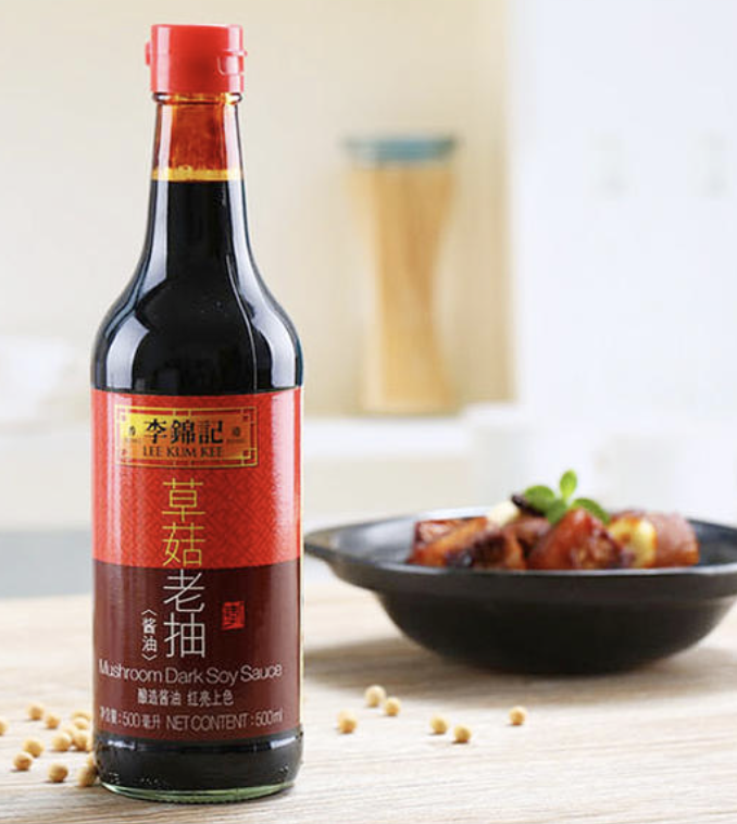 李锦记 草菇老抽 500Ml LEE KUM KEE MUSHROOM DARK SOY SAUCE 500 ML (16.9 fl oz)