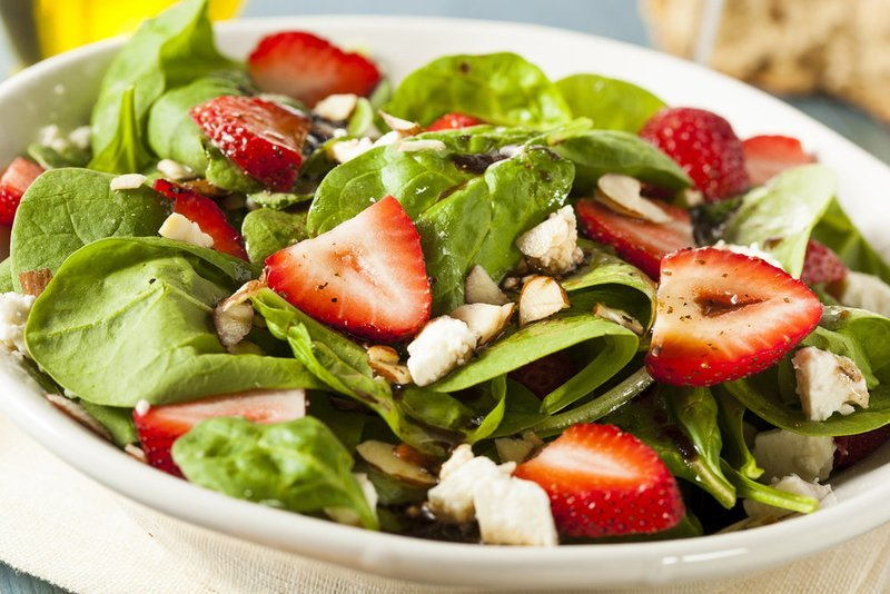 Spinach & Strawberries Salad