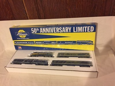 Athearn 50th Anniversary Limited HO Scale No. 1010 Train Car Set (Pre-owned)