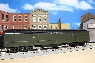 MTH O Scale Premier 70' Madison Baggage Car 20-4361(NEW IN BOX)