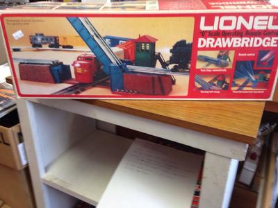 Lionel Operating Draw Bridge 6-2317