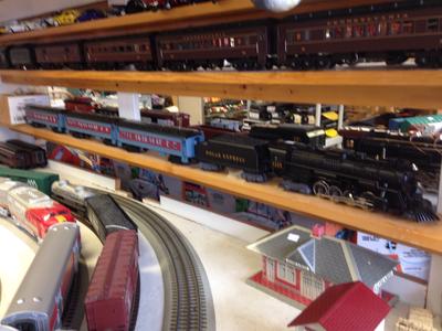 Lionel Polar Express Set    No Track or transformer preowned