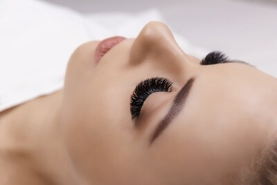 Eyelash Extensions Course Russian Volume