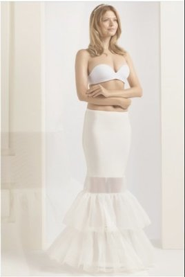 H8 190 Medium  2 hoop and Ruffles underskirt  75