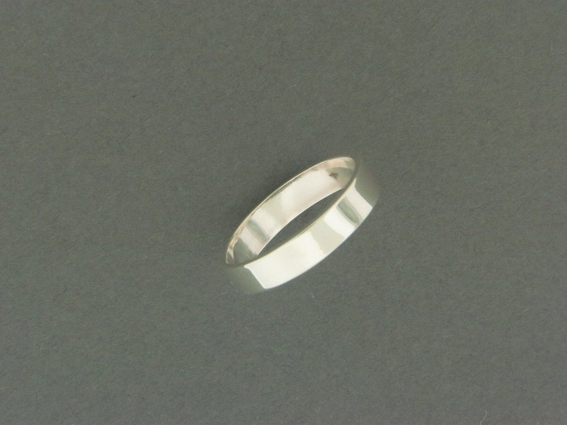 Medium Flat Band