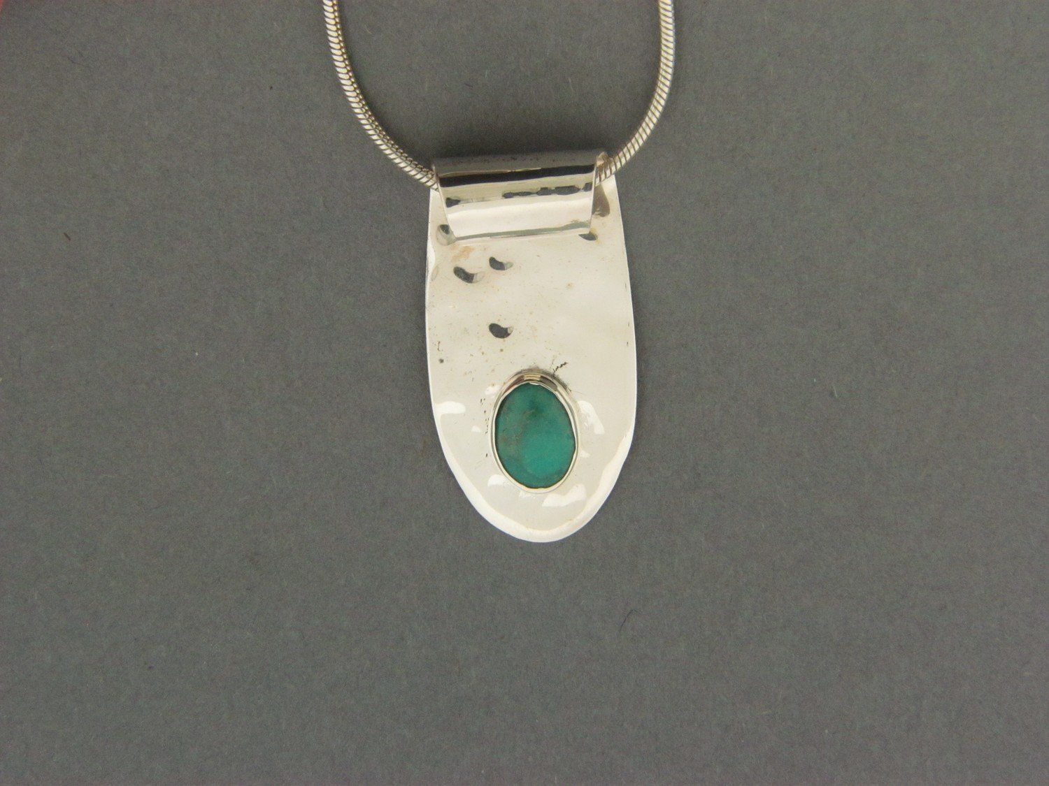 Long End Rolled Plate w/Stone Pendant
