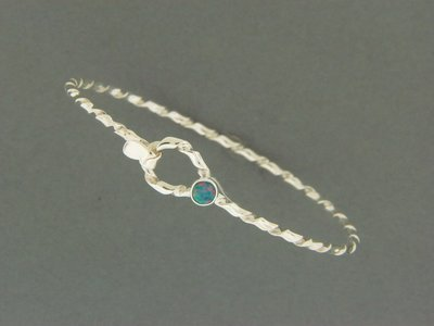 Child's Light Twisty Hook w/Stone Bracelet