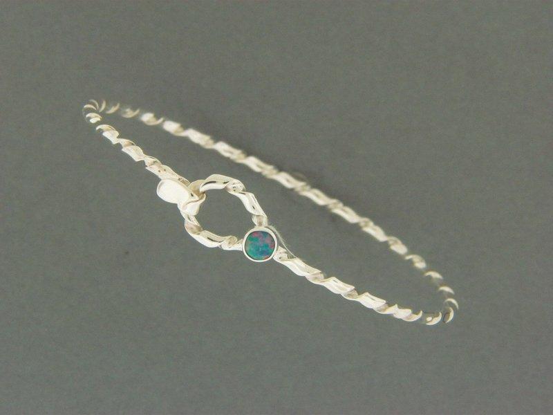 Child's Light Twisty Hook w/Stone Bracelet