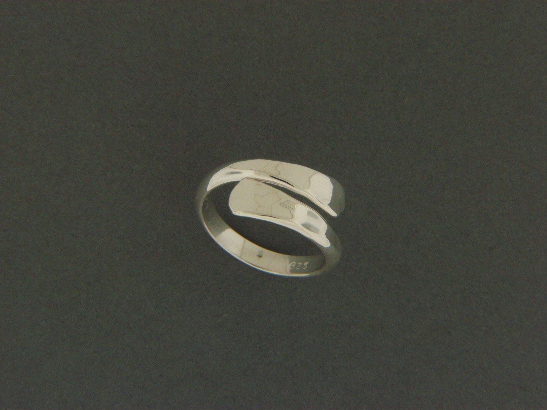 Cross Over Ring