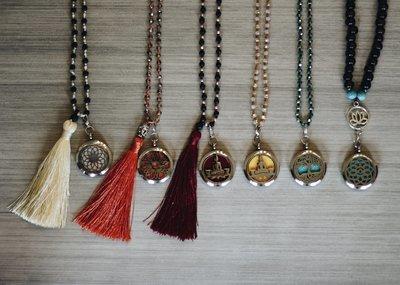 Collier en perles et en billes