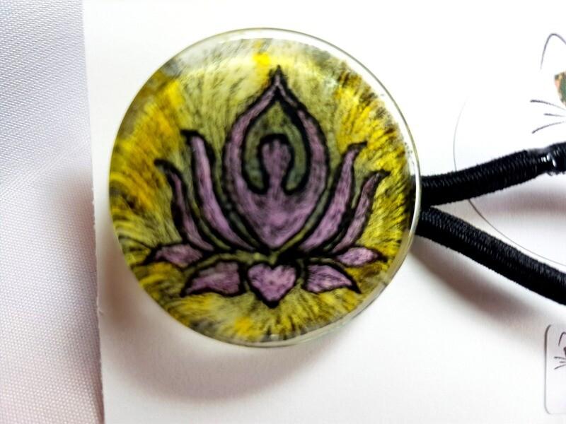 Rockin'Diva Ponytail Holder, Lotus Pose on Yellow