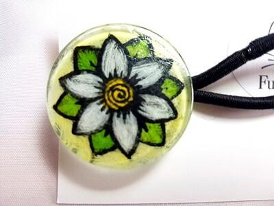 Rockin'Diva Ponytail Holder, White Blossom on Yellow