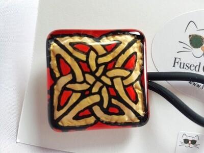 Rockin'Diva Ponytail Holder, Sq Celtic Knot Gold on REd