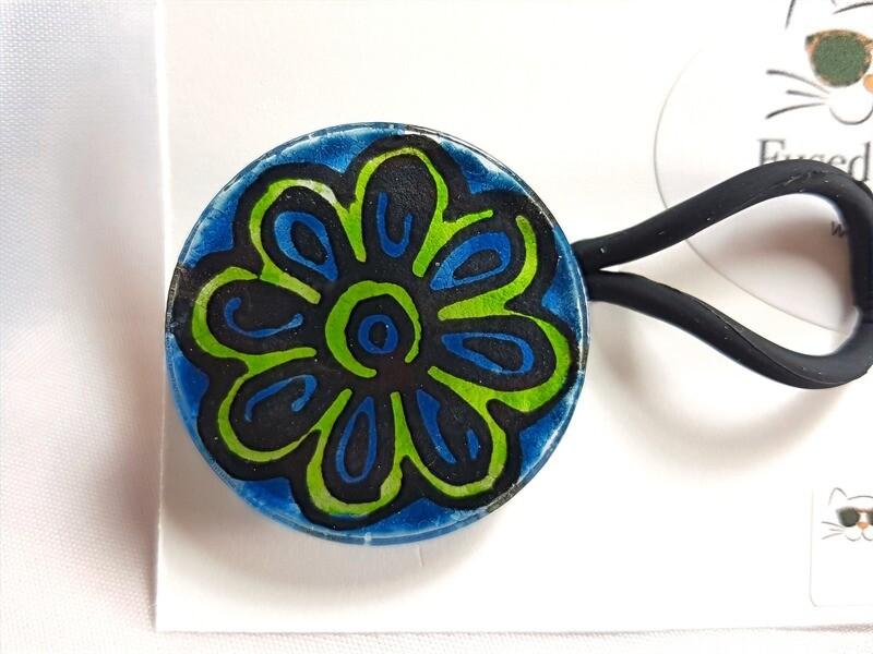Rockin'Diva Ponytail Holder, Petals, green on Blue