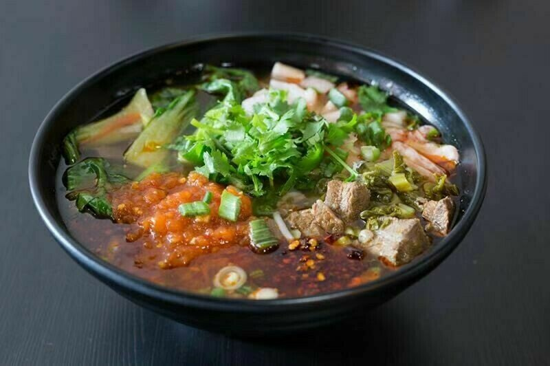 HXW【花溪王】红酸牛肉粉/面 Sour & Spicy Soup W. Beef Vermicelli/Noodle