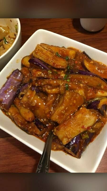 ZWCD【滋味成都】鱼香茄子 Sauteed Eggplant (with Spicy Garlic Sauce) (周二休息,晚餐不配饭)