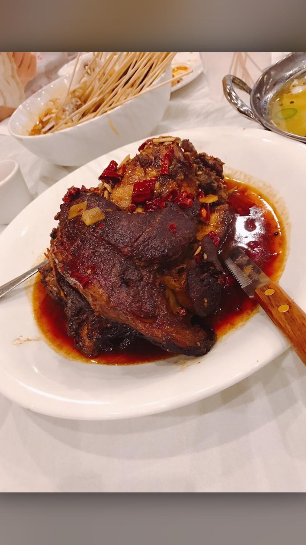 ZWCD【滋味成都】香辣霸王肘子 Flavored Pork Crura (周二休息,晚餐不配饭)