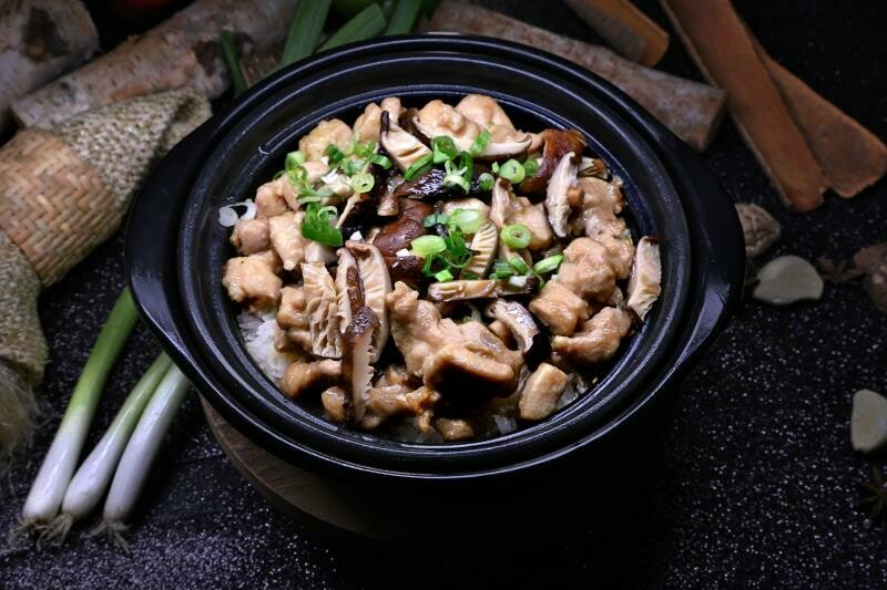 BLBQ【煲来饱去】香菇滑鸡煲仔饭