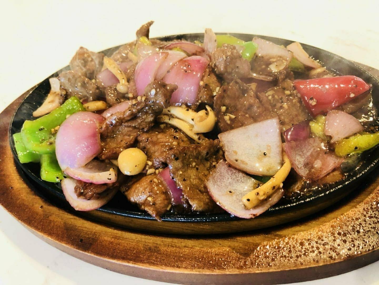 JNC【江南村】铁板黑椒牛 Sizzling Beef Steak w/ Black Pepper (Closed Tuesday)