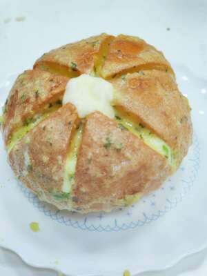 XT【喜甜】特大爆浆香蒜面包(早9点截单)
