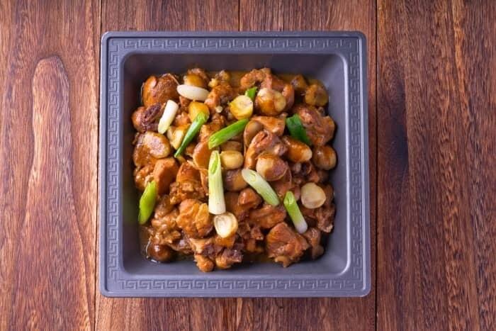 XXCC【小熊川菜】板栗烧鸡 Organic Chestnut Chicken Stew (每周二休息)
