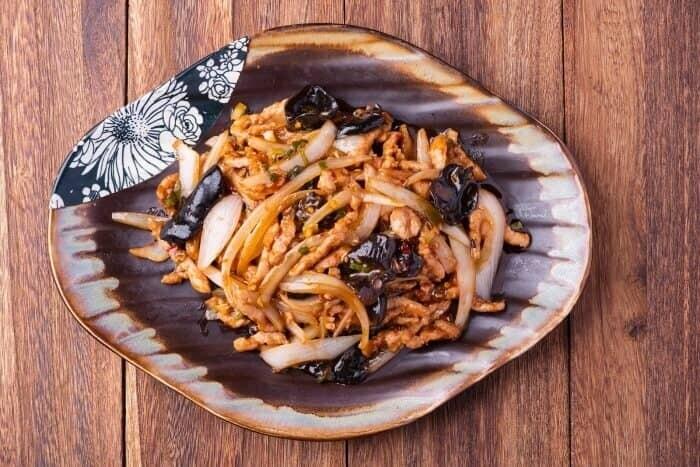 XXCC【小熊川菜】鱼香肉丝 Shredded Pork in Spicy Garlic Sauce (每周二休息)