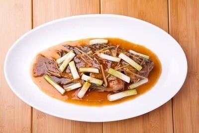 XXCC【小熊川菜】葱烧鲜全鱼 Scallion Pot Roasted Tilapia (每周二休息)