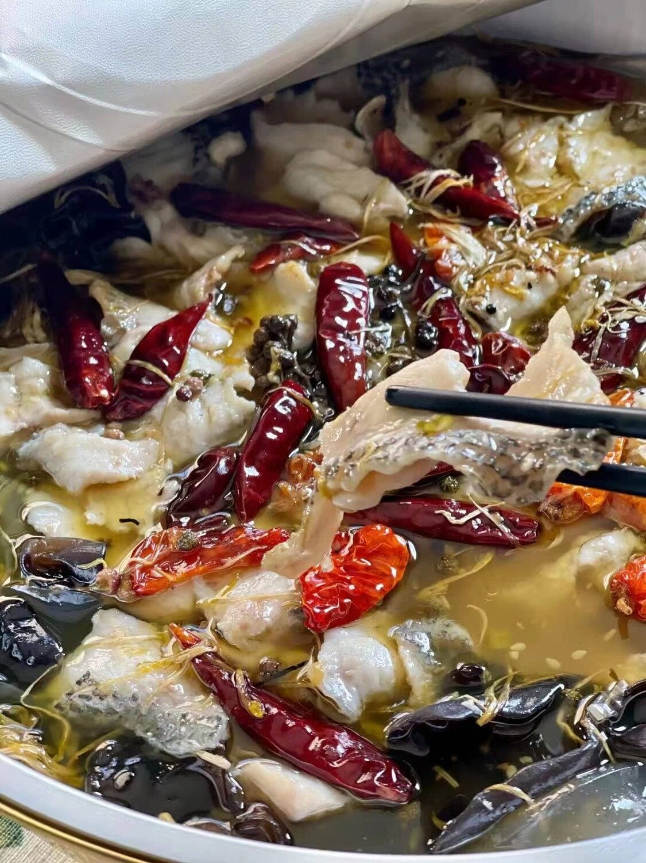 B2J【不二家酸菜鱼】大号老坛子酸菜鱼 Chinese Sauerkraut Tilapia Fish (2lb送四个配菜!)