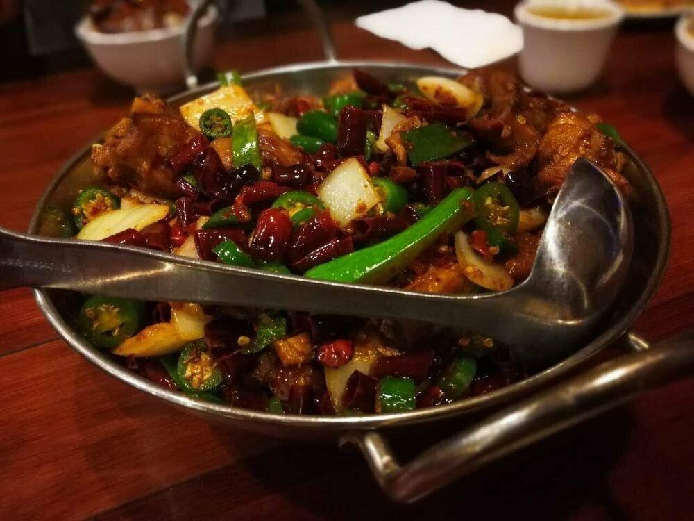 ZWCD【滋味成都】砂锅肥肠鸡 Pork Intestines & Chicken in Earthen Pot(晚餐不配饭)