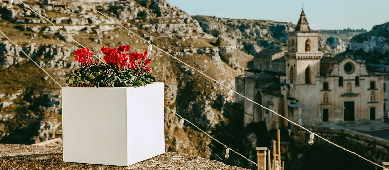 Cubo Cube 40 x 40 x h 40 cm moderno in resina