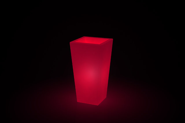 Vaso quadrato Adige luminoso h 105, 130 cm in resina