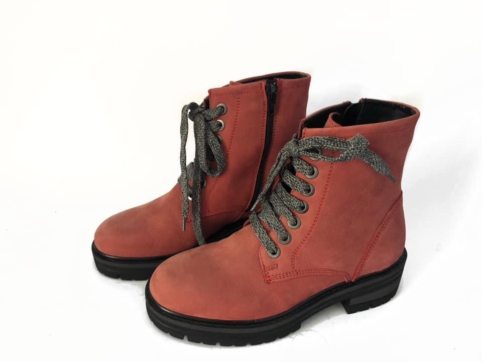 Crvene duboke ženske cipele model 152